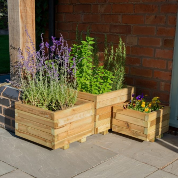 Hartwood Set of Three Square Planters