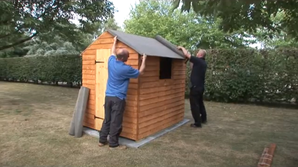 Play How To Felt A Wooden Shed Roof Video