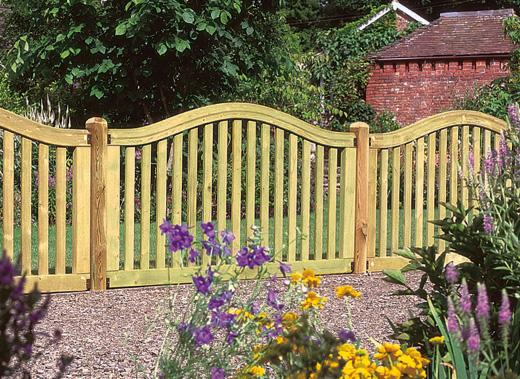 A Guide to Decorative Fencing